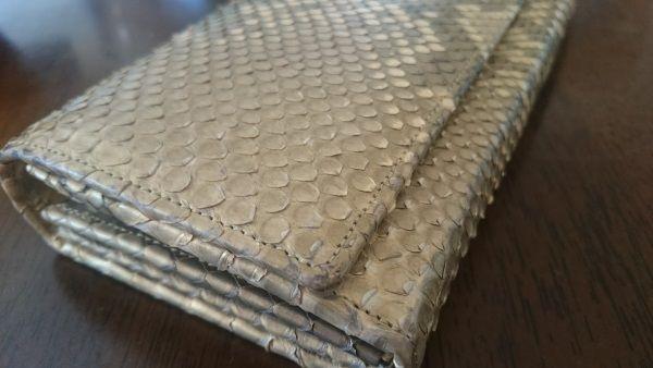 最強系金の蛇革財布買いました