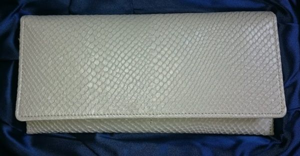 わたしの白蛇財布 財布屋で購入