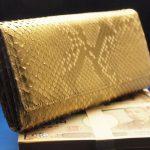 本物のニシキヘビの革を使った金蛇財布